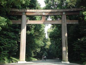 800px-Meiji-jingu_torii